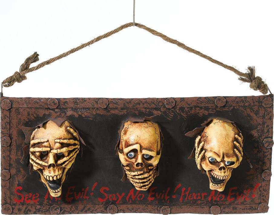3 Skulls In Stock (Halloween Decorations)